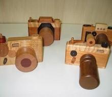 木のおもちゃ カメラ